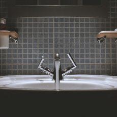 Bezpieczna łazienka. O czym trzeba pamiętać?